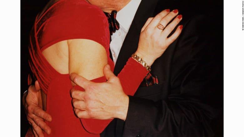 صور تعبر عن علاقات الحب..بطريقة غير تقليدية
