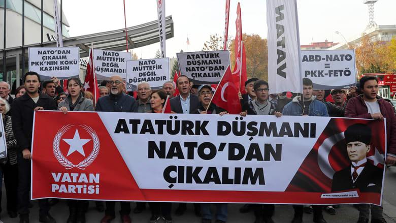 """بعد تمثال """"عدو"""" لأتاتورك وأردوغان بتدريب للناتو.. تركيا: أكبر فضيحة"""