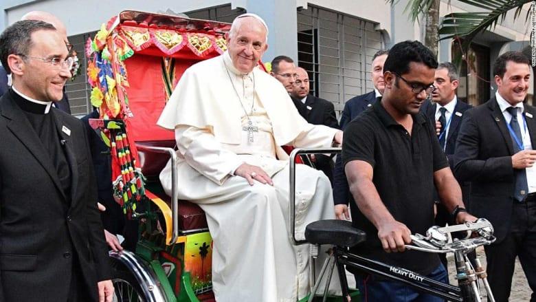 """البابا فرانسيس يورد سبب عدم ذكره لكلمة """"روهينغا"""""""