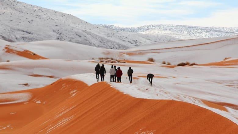 شاهد.. ثلوج تتساقط وسط الصحراء في الجزائر