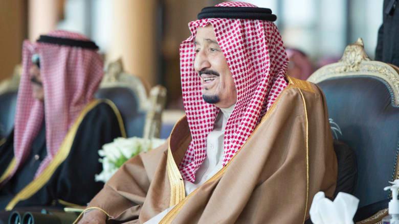شاهد.. الملك سلمان يشهد افتتاح سباق الهجن السنوي الكبير