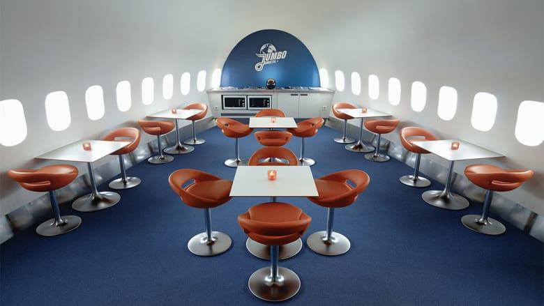 """في رحلتك المقبلة.. اتجه إلى هذا الفندق على """"متن"""" طائرة من العام 1976!"""