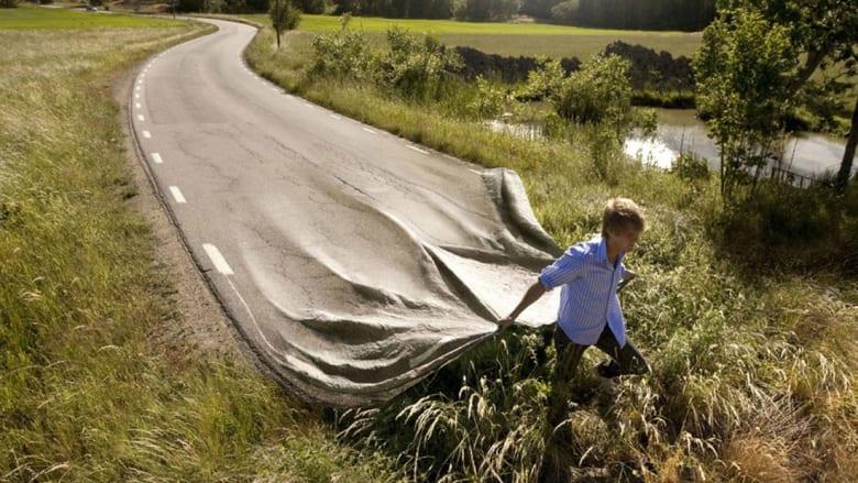 """كيف """"تشق"""" الطريق بمقص القماش الصغير؟"""
