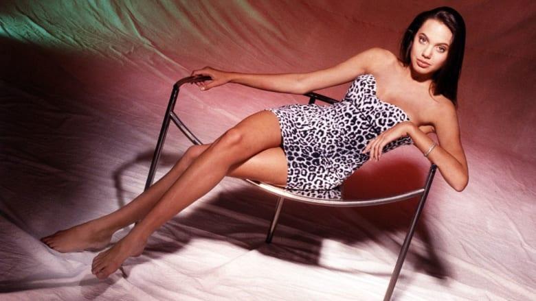قبل دخولها عالم الشهرة.. هذه أيام مراهقة أنجيلينا جولي