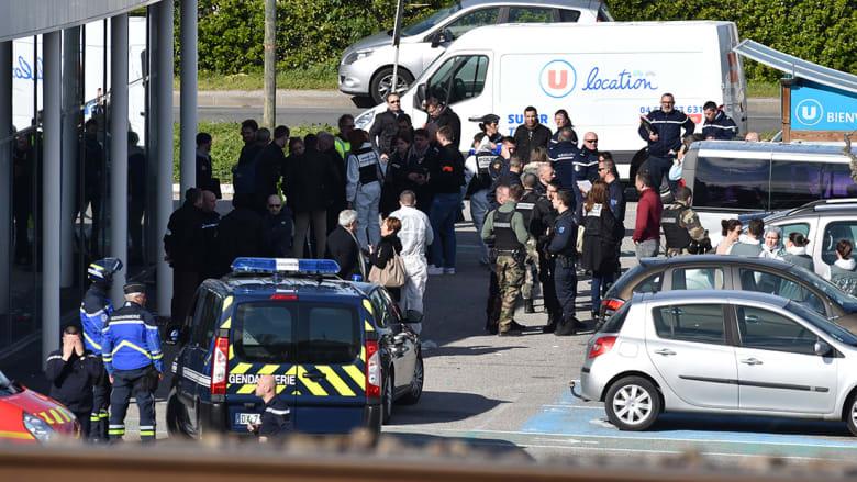 مقتل 3 إثر إطلاق نار واحتجاز رهائن في فرنسا.. وداعش يتبنى الهجوم
