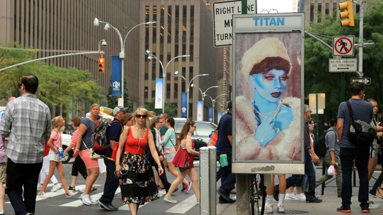 """ما هي """"جبهة تحرير اللوحات الإعلانية"""" وكيف استولت على شوارع العالم؟"""