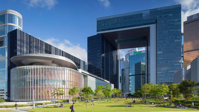 ما السبب وراء هذه الفجوات في ناطحات سحاب هونغ كونغ؟