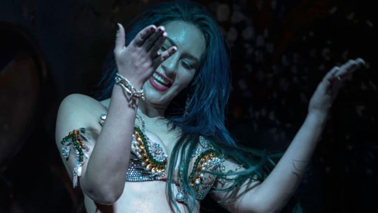 في يوم الرقص العالمي.. نظرة على راقصة مصرية تحيي فنون الرقص الشرقي