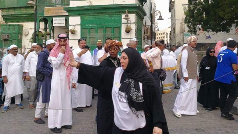 تعرّفوا إلى أول مرشدة سياحية سعودية.. ليست لوحدها وهناك الكثير غيرها!