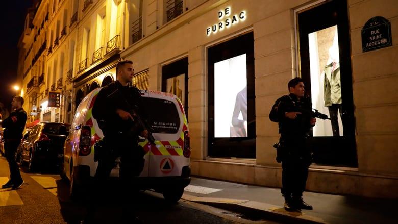 """داعش يتبنى هجوم الطعن في باريس.. والمدعي العام: المهاجم هتف """"الله أكبر"""""""