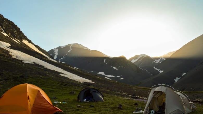 رحلة تخييم تحت السماء الصافية لجبل بازاردوزي.