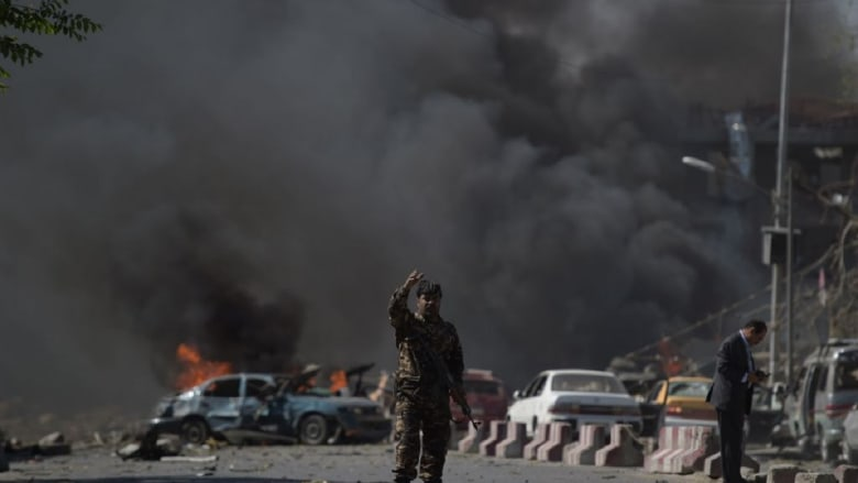 مقتل 14 وإصابة 60 في تفجير استهدف نائب الرئيس الأفغاني بعد عودته من المنفى
