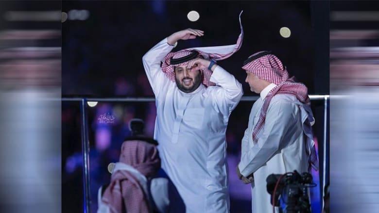"""القرني والعريفي يحذران من """"الإساءة"""" لوالدة تركي آل الشيخ"""