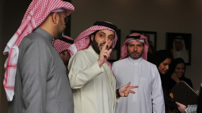 """ماذا قال عمرو أديب عن تركي آل الشيخ واستلامه """"الترفيه"""" بالسعودية؟"""