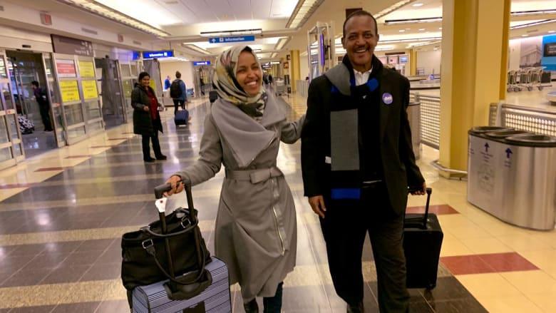 """عشية أداء """"يمين الكونغرس"""".. إلهان عمر تتذكر لحظة وصولها لاجئة إلى أمريكا"""
