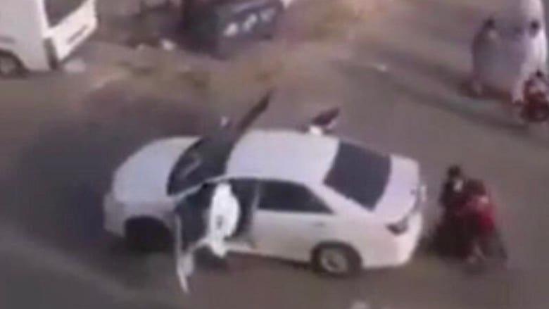 """تداول فيديو """"اختطاف طالب"""" أمام مدرسة في السعودية.. وإمارة مكة: مزاح"""