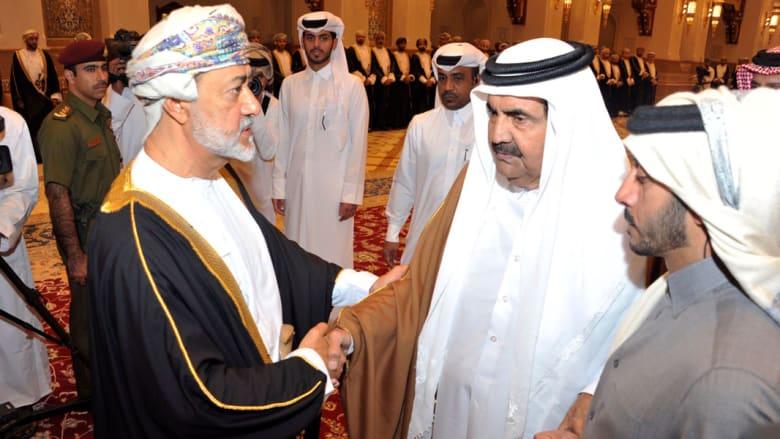 الشيخ حمد بن خليفة يعزي السلطان هيثم بن طارق بوفاة السلطان قابوس