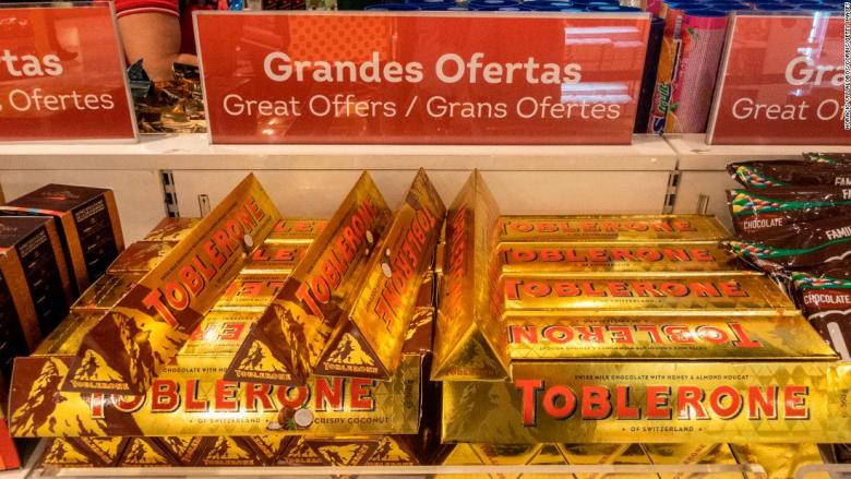 شوكولاتة نادرة وعمرها 112 عاماً ستذكرك برحلات سفرك قديماً.. هل يبدو شكلها مألوفاً؟
