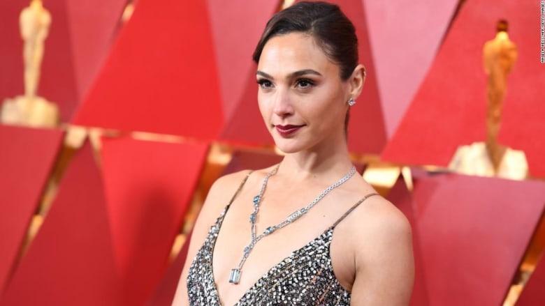 جدل بعد اختيار الممثلة غال غادوت لتجسيد شخصية ملكة مصر