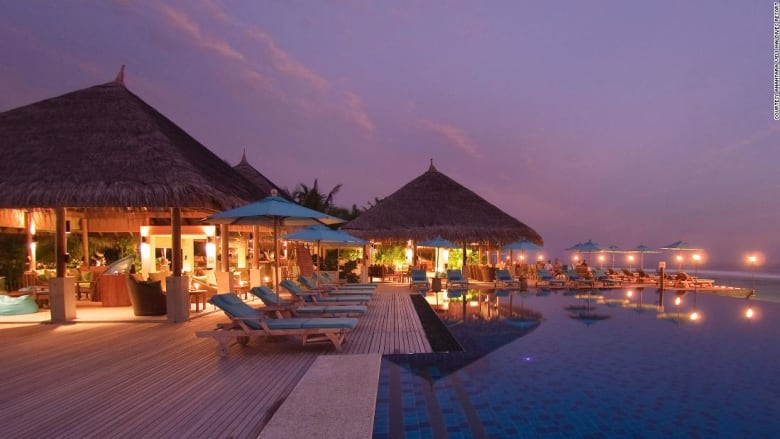 جزر المالديف تقدم عرضاً فريداً بـ30 ألف دولار للبالغين فقط