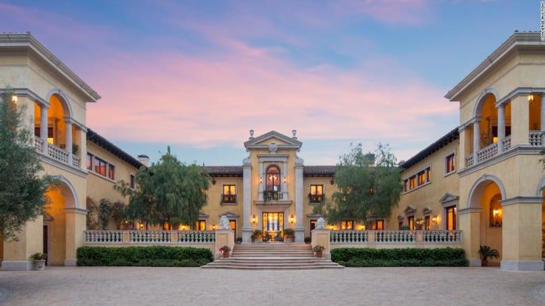 """بـ160 مليون دولار.. هل سيصبح قصر """"بيفرلي هيلز"""" أغلى منزل يباع بمزاد؟"""