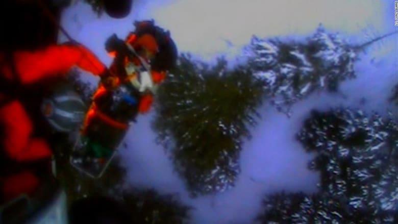 مروحية تنقذ متزلج تعرض لهجوم دب في ألاسكا