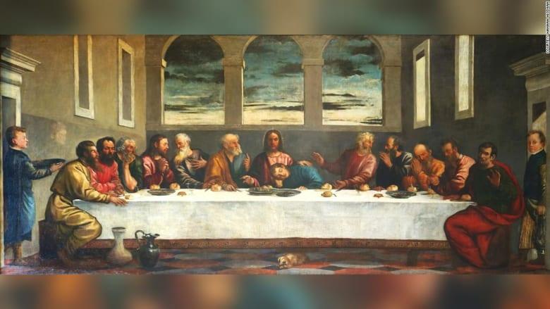 """بعد أكثر من قرن..الكشف عن لغز لوحة """"العشاء الأخير"""" بإحدى كنائس إنجلترا"""