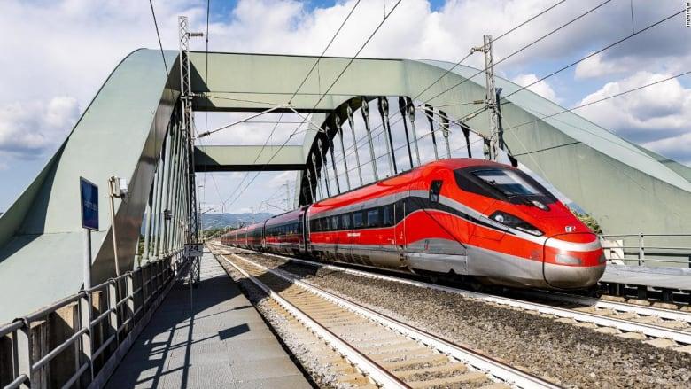 """إيطاليا تكشف عن مفهوم قطارات """"خالية من كورونا"""" إلى أبرز وجهاتها السياحية"""