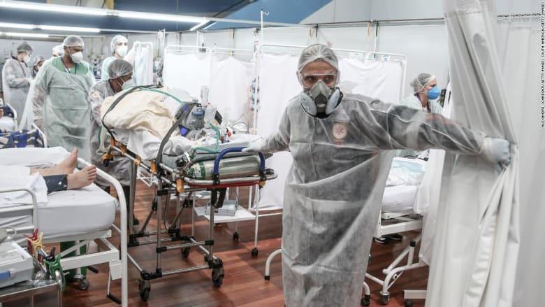 """لماذا يصاب المزيد من الشباب بمرض """"كوفيد-19"""" في البرازيل؟"""
