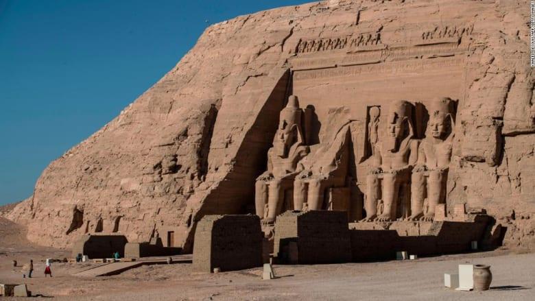 مومياوات مصر القديمة تجوب شوارع القاهرة إلى مثواها الأخير