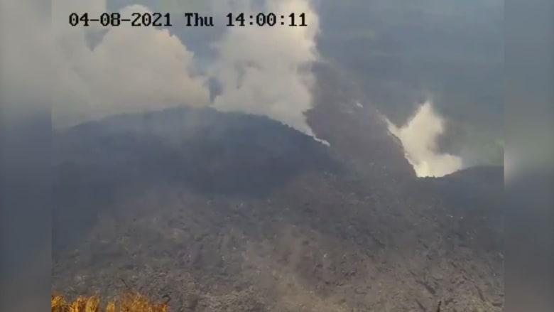 """""""كارثة وشيكة"""" سبقتها هزات أرضية.. إخلاء جزيرة كاريبية بعد رصد نشاط بركاني"""