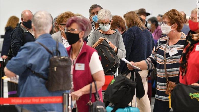 في نيوزلندا..إصابة عامل مطار بكورونا رغم تلقيه اللقاح بالكامل