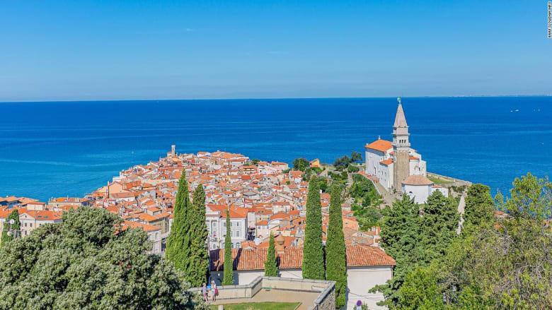 من اليونان إلى إيطاليا.. شاهد جمال مدن تحمل طابع البندقية حول أوروبا