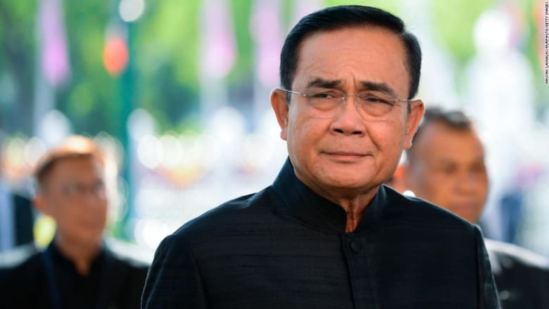 تغريم رئيس وزراء تايلاند بسبب عدم ارتدائه قناع الوجه في اجتماع حكومي