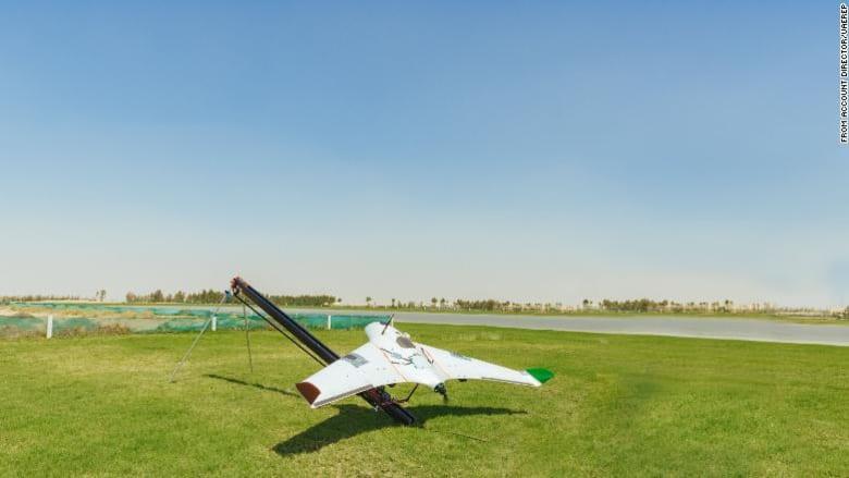 ستعطي الطائرات بدون طيار السحب شحنة كهربائية في محاولة لإسقاط الأمطار