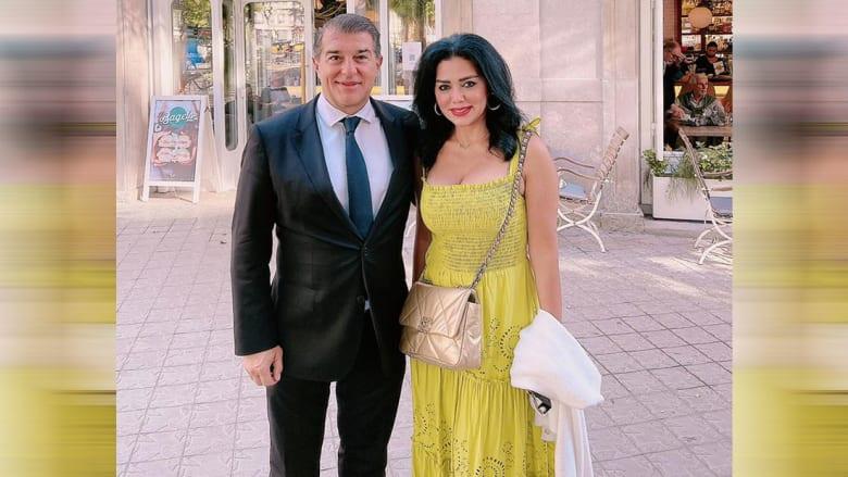 رانيا يوسف مع رئيس نادي برشلونة الإسباني، خوان لابورتا