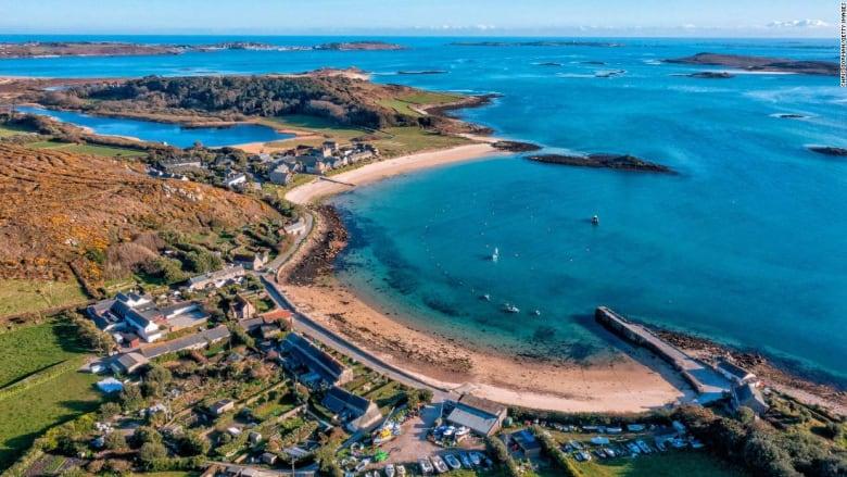 جزر سيلي.. تعرف إلى هذه الجزيرة الفريدة من نوعها قبالة سواحل إنجلترا