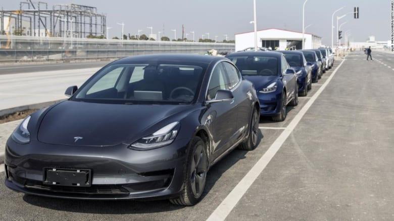 تسلا تستدعي 300 ألف سيارة في الصين بسبب قضية تتعلق بسلامة ميزة تثبيت السرعة