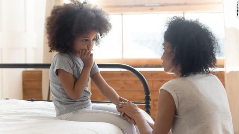 متى يجب عليك الكذب على أطفالك؟ إليك بعض النصائح
