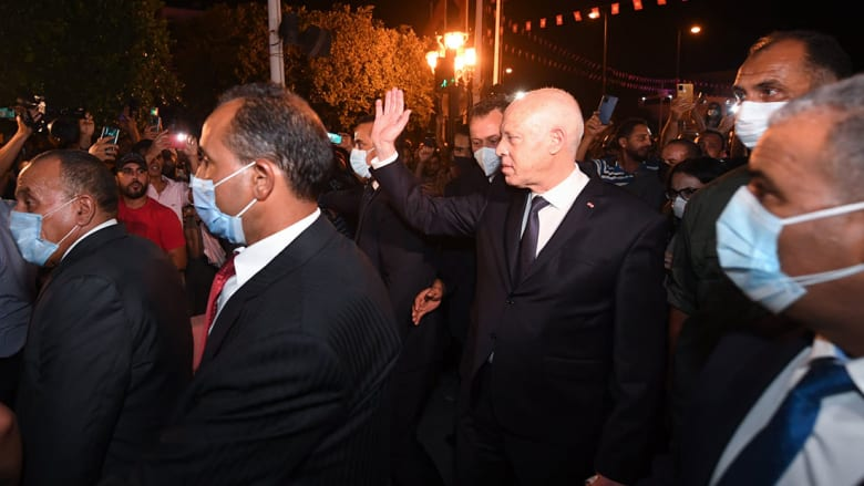 رئيس تونس خلال جولة