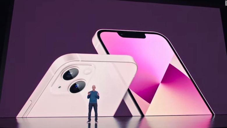 """لحظة الكشف عن هاتف أبل الجديد """"آيفون 13"""".. إليكم مواصفاته وسعره"""