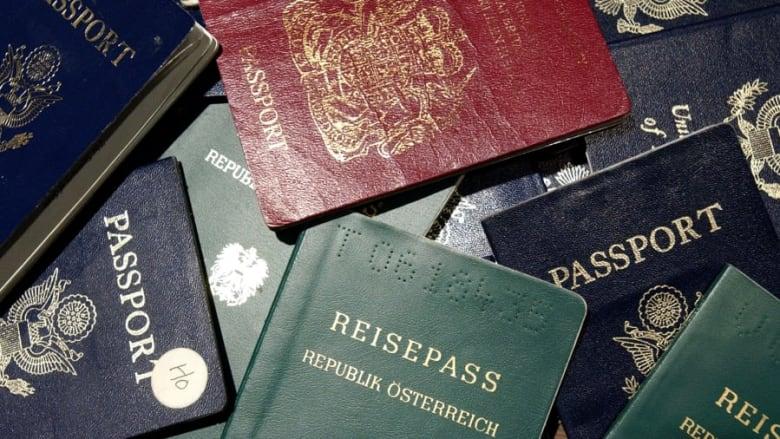 """أي جواز سفر المصنّف """"الأقوى"""" عالميًا، لسنة 2021؟"""