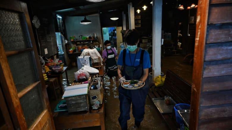 فيضان النهر أوصل مطعمًا صغيرًا في تايلندا إلى العالمية