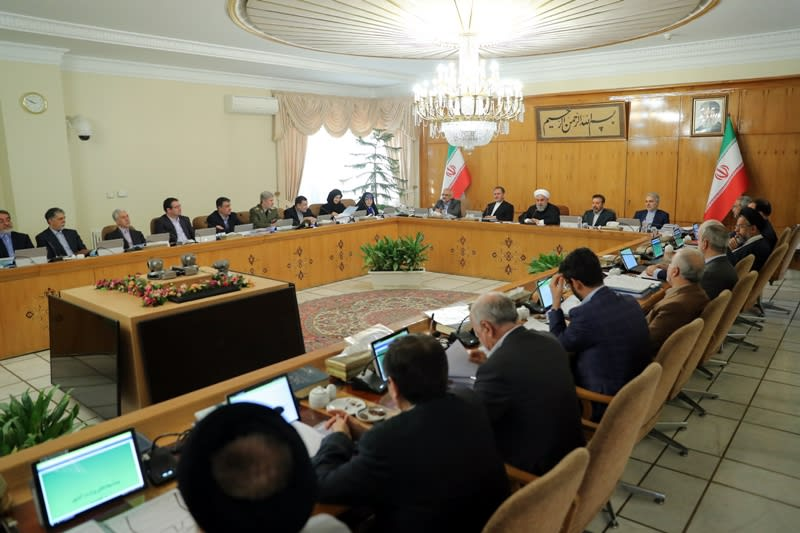 روحاني: إيران تواجه حربًا اقتصادية والشعب سيواجه بعض المشاكل