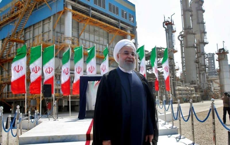 """روحاني يدشن 4 مراحل بحقل """"بارس"""" للغاز المشترك مع قطر.. فما التكلفة؟"""