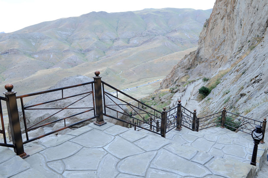 """لماذا يُشار إلى هذه القلعة بـ""""ماتشو بيتشو أذربيجان""""؟"""