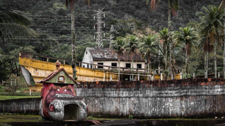 كيف تبدوا مدينة ملاهي بابا نويل المهجورة في البرازيل؟