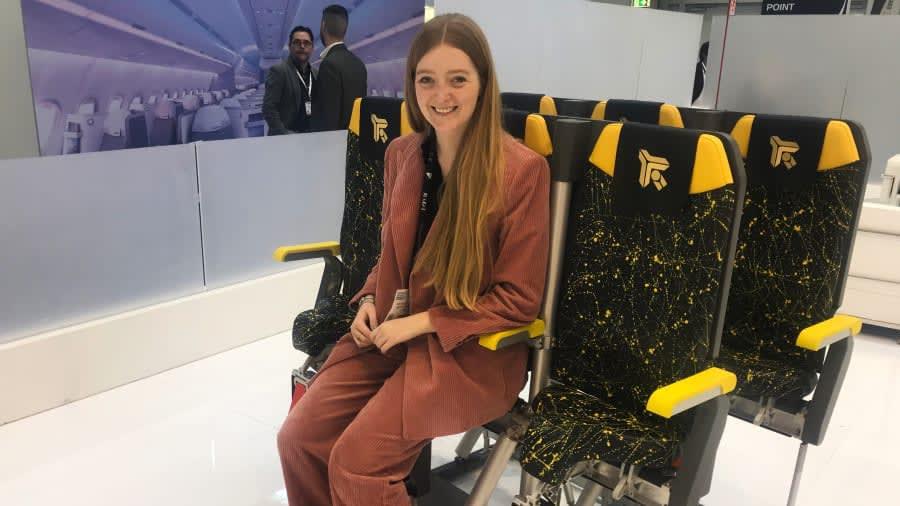 """هل من الممكن لـ""""الكراسي الواقفة"""" أن تكون مستقبل مقاعد الطائرات؟"""