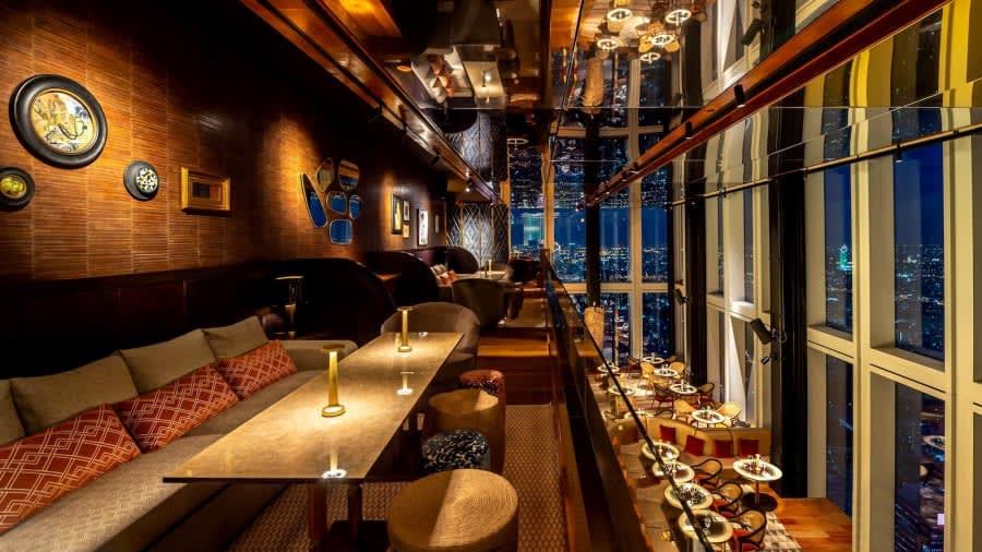 أعلى مطعم وبار في تايلند يفتح أبوابه بين السحاب