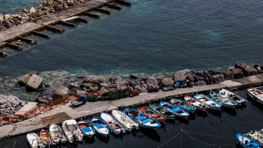 جزيرة سالينا الإيطالية.. ملاذ ذواقة الطعام السري